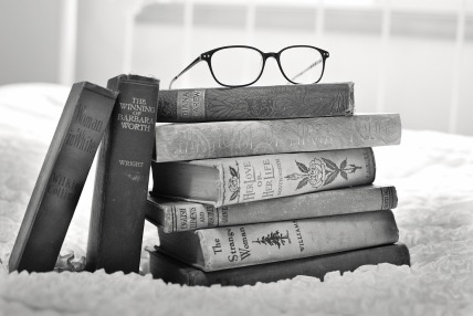 stack-of-books-1001655_1920